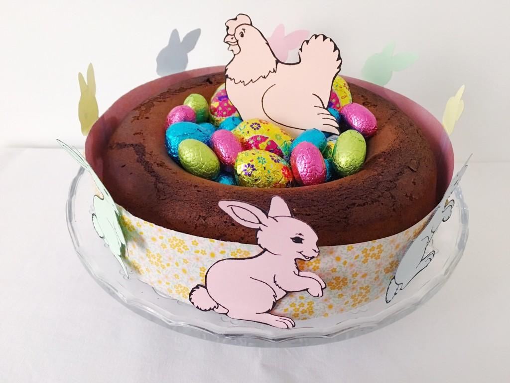 Deco gateau de paques des petits nids en cornflakes et chocolat pour y placer des oeufs en - Decoration en chocolat trucs et astuces ...